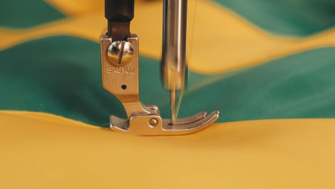 Equestrian company installs HP Stitch