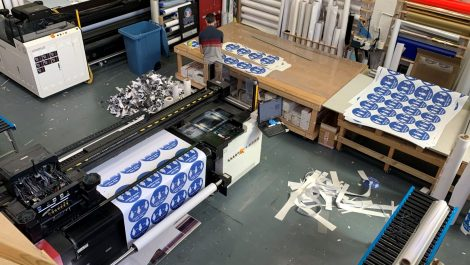 Drytac helps Globe Print produce 15km of pandemic graphics