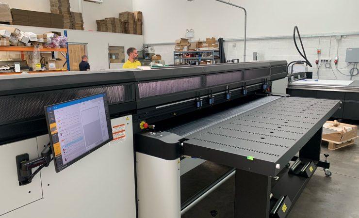 Fountain's work flows with HP hybrid printer
