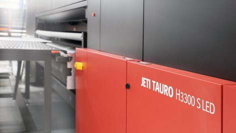 Agfa introduces upgradeable Tauro and industrial printers